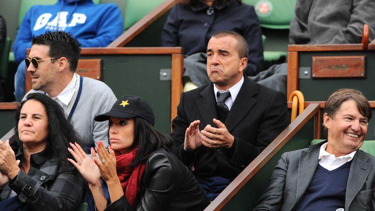 Jade Foret et Arnaud Lagardère assistent au tournoi de Roland-Garros, le 4 juin 2013 à Paris. (ALEXIS REAU / SIPA)