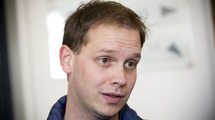 Le cofondateur du site de partage de fichiers The Pirate Bay, Peter Sunde, à la cour d'appel de Stockholm (Suède), le 28 septembre 2010. (JONATHAN NACKSTRAND / AFP)
