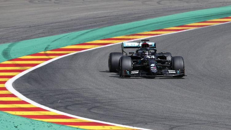 Lewis Hamilton n'a jamais été inquiété sur le Grand Prix de Belgique. (FRANCOIS LENOIR / POOL)
