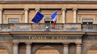 La façade du bâtiment qui accueille le Conseil d'Etat à Paris, le 28 mai 2018. (MANUEL COHEN / AFP)