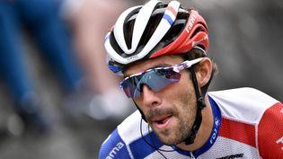 Le Français Thibaut Pinot passe la ligne d'arrivée lors du Tour de France, le 6 septembre 2020. (MARCO BERTORELLO / AFP)