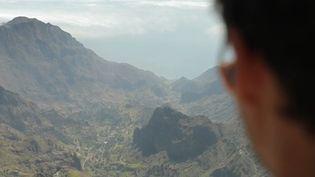 Paradis de l'écotourisme, le Cap-Vert, archipel au large du Sénégal, attire les amoureux des séjours authentiques. Mais pendant combien de temps la nature y sera encore préservée ? (CAPTURE ECRAN FRANCE 2)