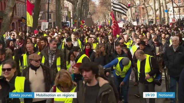 """""""Gilets jaunes"""" : les mobilisations continuent en région"""