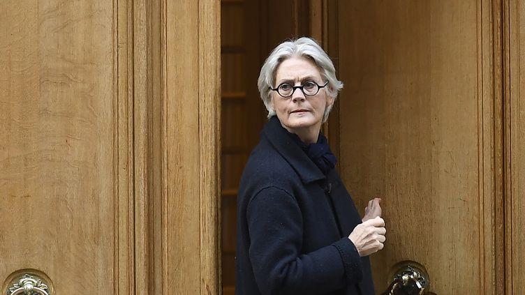 Penelope Fillon sort de son domicile, le 27 mars 2017 à Paris. (LIONEL BONAVENTURE / AFP)