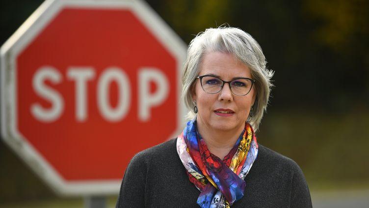 """Jacline Mouraud, l'une des figures du mouvement des """"gilets jaunes"""", le 13 novembre 2018 à Bohal (Morbihan). (DAMIEN MEYER / AFP)"""