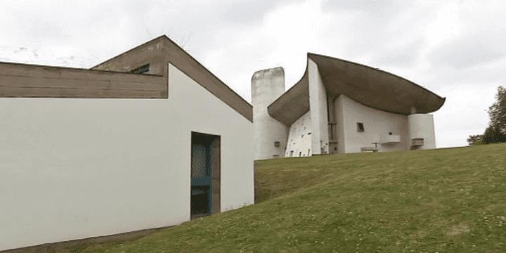 La célèbre chapelle de Ronchamp en Haute-Saône  (France 3 / Culturebox)