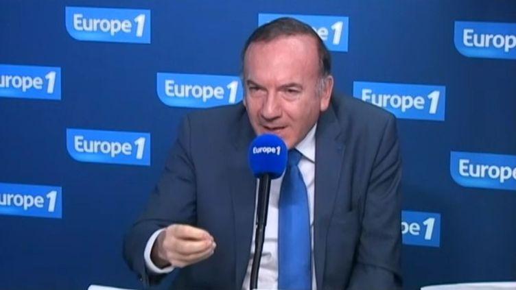 Le président du Medef, Pierre Gattaz, sur Europe 1, le 13 janvier 2014. (EUROPE 1  / FRANCETV INFO)
