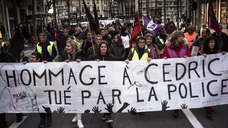 Une marche blanche en l'honneur de Cédric Chouviat, le 15 janvier 2020 à Perpignan dans les Pyrénées-Orientales (photo d'illustration). (NICOLAS PARENT / MAXPPP)
