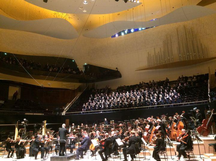 Paavo Järvi et l'Orchestre de Paris, le 13 janvier 2015.  (LCA/Culturebox)