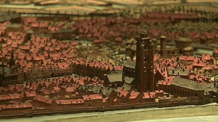 15 plans-reliefs de villes du Nord et des Flandres datant de l'époque de Louis XIV, retrouvent le Palais des Beaux-arts de Lille après 10 mois de resturation. A (re)découvrir à partir du 16 mars 2019.  (Culturebox / capture d'écran)
