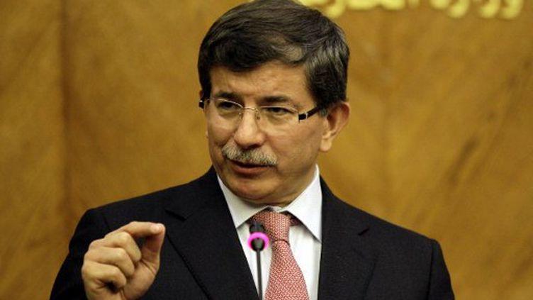 Le ministre turc des Affaires étrangères, Ahmet Davutoglu. (KHALIL MAZRAAWI / AFP)