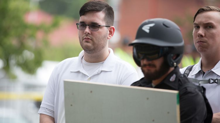 James Alex Fields lors d'un rassemblement de groupuscules nationalistes à Charlottesville (Virginie), le 12 août 2017. (STRINGER / REUTERS)