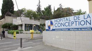 L'extérieur de l'hôpital de la Conception à Marseille (Bouches-du-Rhône), en novembre 2006. (MICHEL GANGNE / AFP)