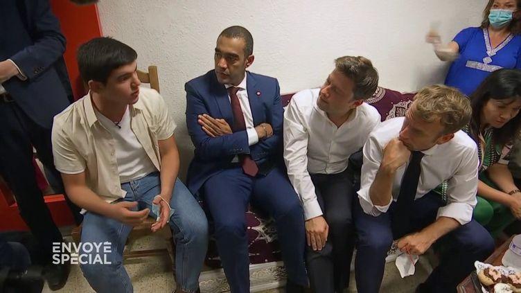 Amine, le jeune des quartiers nord, de Marseille qui interpelle le président Macron… et veuts'engager enpolitique (ENVOYÉ SPÉCIAL  / FRANCE 2)