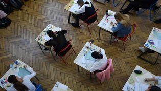 En 2019, le coût moyen de chaque candidat au baccalauréat s'élève à 80 euros. (Photo d'illustration) (FREDERICK FLORIN / AFP)