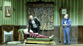 Après leur triomphe au Théâtre Tristan Bernard, Les Faux British poursuivent leur enquête meurtrière dans le même tourbillon de catastrophes au Théâtre Saint-Georges  (France 3 / Culturebox)