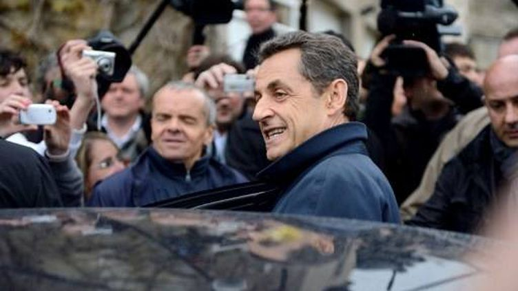 Nicolas Sarkozy quitte Vouvray (Indre-et-Loire), le 23 avril 2012. (AFP - Eric Feferberg)