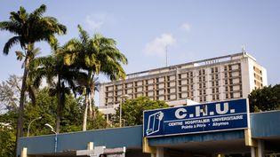 Le CHU de Pointe-a-Pitre en Guadeloupe. (CARLA BERNHARDT / AFP)