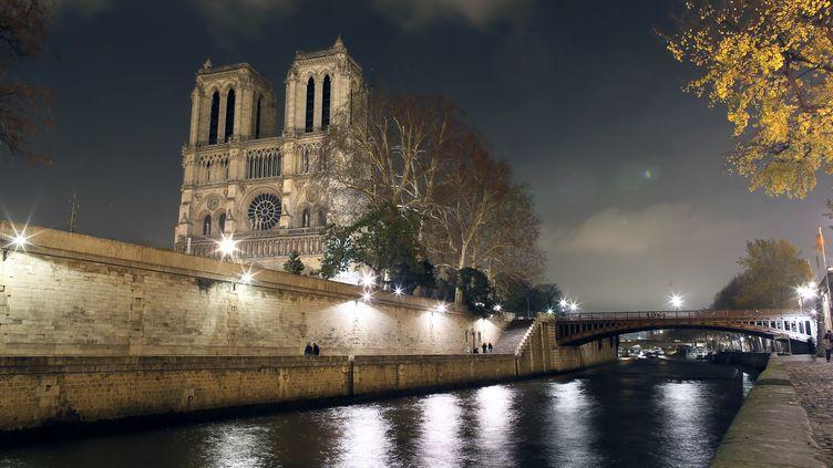 Notre-Dame de Paris, joyau de l'art gothique, célèbre ses 850 ans à partir du 12 décembre 2012 (PATRICK KOVARIK / AFP)