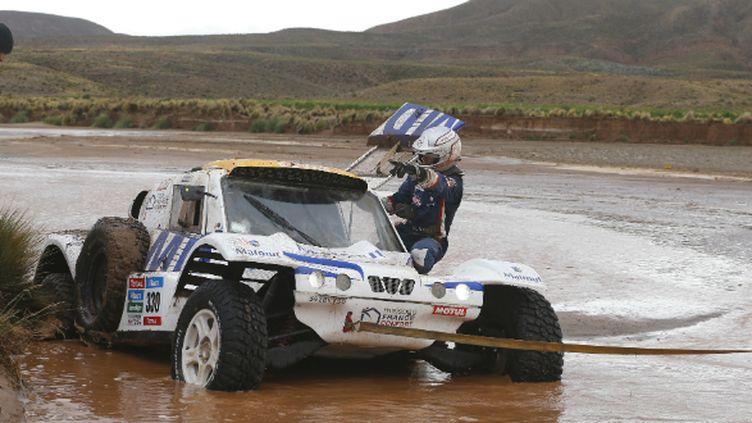 Le buggy de Romain Dumas et François Borsotto piégé dans un rio bolivien