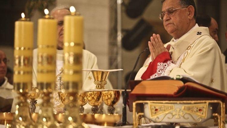 Le patriarche latin de Jérusalem, Mgr Fouad Twal, célèbre la messe de minuit à Bethléem, le 24 décembre 2010 (AFP / Fadi Arouri)