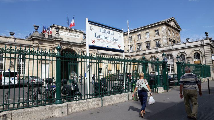 L'hôpital Lariboisière, dans le 10e arrondissement de Paris. (THOMAS SAMSON / AFP)