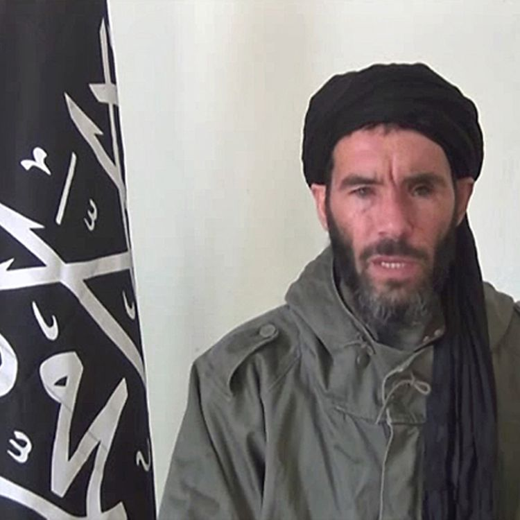 Capture d'écran d'une vidéo non datée de Mokhtar Belmokhtar, diffusée le 16 janvier 2013 parl'agence mauritanienne ANI. (ANI/ AFP)