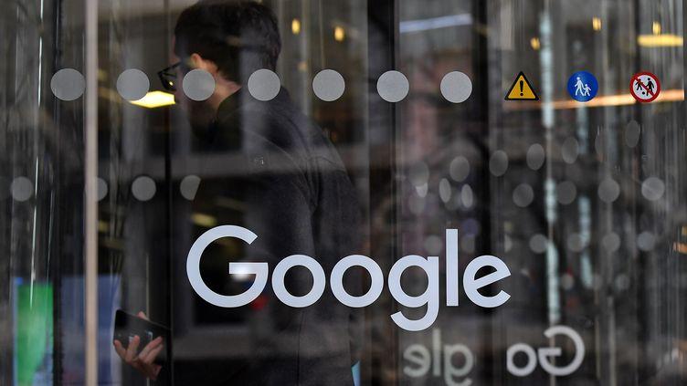 Les locaux de Google à Londres, le 18 janvier 2019. (BEN STANSALL / AFP)