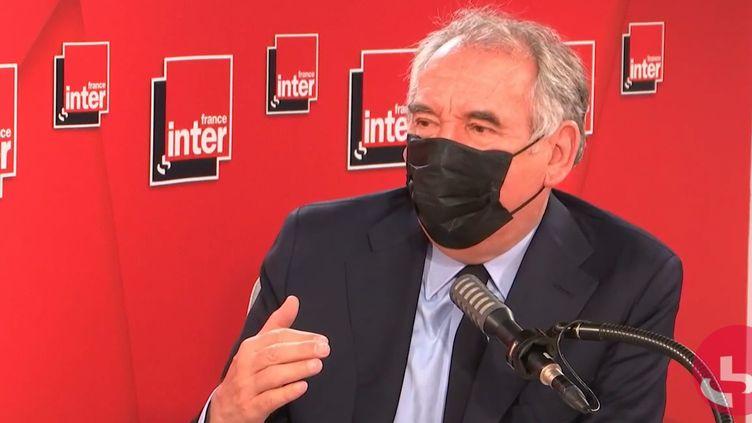 François Bayrou, Haut-Commissaire au Plan, président du MoDem et maire de Pau (Pyrénées-Atlantiques), le 6 mai 2021 sur France Inter. (FRANCEINTER / RADIOFRANCE)
