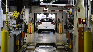 Dans l'usine Citroën d'Aulnay, où le père de Yancouba Diémé a travaillé. (LIONEL BONAVENTURE / AFP)