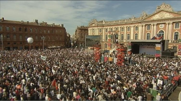 Place du Capitole, Toulouse jeudi 3 mai 2012 (FTV)