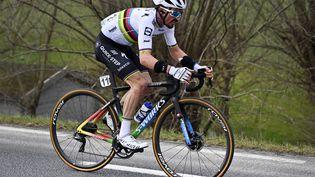 Julian Alaphilippe (Deceuninck - Quick-Step), troisième à 39 secondes au général, va devoir tout donner si il veut remporter l'édition 2021 du Tour de Suisse. (DIRK WAEM / BELGA MAG)