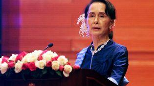 La dirigeant de la Malaisie Aung San Suu Kyi lors d'un discours à Naypyidaw (Birmanie), le 13 février 2018. (THET AUNG / AFP)
