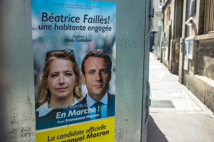 Une affiche de la candidate LREM, Béatrice Faillès, a été collée à Paris, le 9 juin 2017. (MAXPPP)