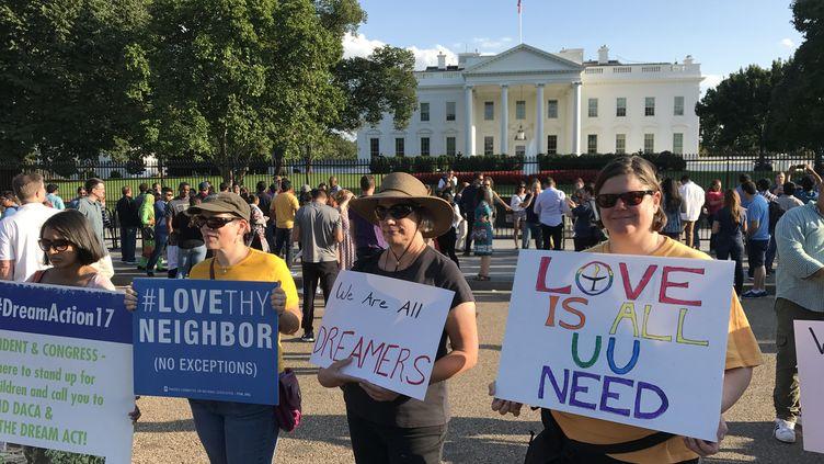 Manifestation devant la Maison Blanche,en septembre 2017, contre la suppression du programme Daca (Deferred Action for Childhood Arrivals), mis en place par Barak Obama. (GREGORY PHILIPPS / RADIO FRANCE)