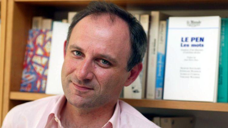 Le spécialiste en communication politique,Stéphane Wahnich, le 24 avril 2002. (MAXPPP)