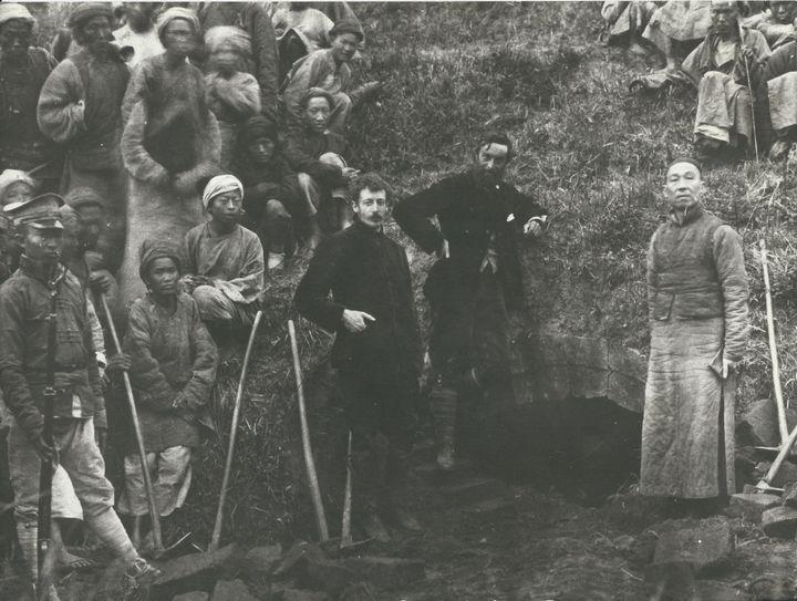 Sseutch'ouan, Tchao-houa. Segalen et Voisins (collection particulière)