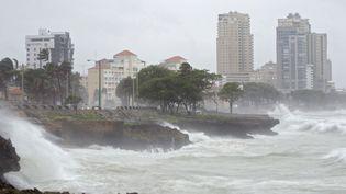 Le front de mer de Saint-Domingue (République dominicaine) est durement frappé par la tempête Erika, le 28 août 2015. (ERIKA SANTELICES / AFP)