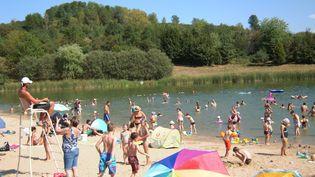 Plan d'eau de Favières en Meurthe-et-Moselle, août 2018. (THIERRY COLIN / FRANCE-BLEU SUD LORRAINE / RADIO FRANCE)