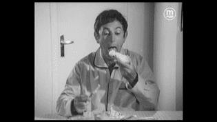 Le comédien Jacques Duby dans la première publicité télévisée pour le fromage Boursin, le 1er octobre1968. (LA MAISON DE LA PUB)