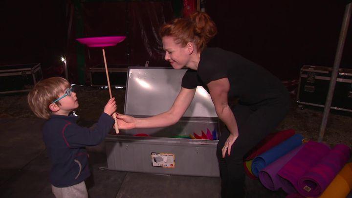 Dans leur école du cirque, Célia et Julien accueillent une trentaine d'enfants des environs. (France 3 / Marc Yvard)