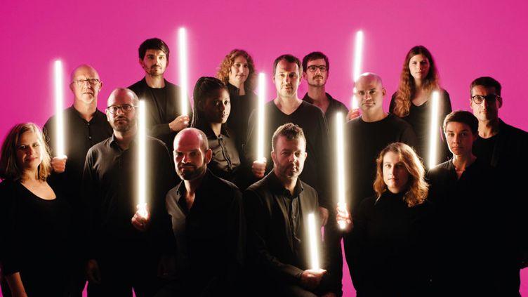 L'Orchestre national de Jazz version 2019... Au deuxième plan, vers le milieu du groupe, de face, il y a Frédéric Maurin.  (Sylvain Gripoix)