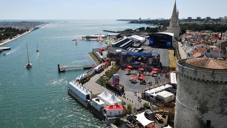 Vue aérienne de la scène principale des Francofolies de la Rochelle en 2018. (XAVIER LEOTY / AFP)