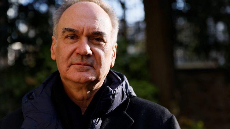 le romancierHerve Le Tellier, le 30 novembre à Paris. (THOMAS SAMSON / AFP)