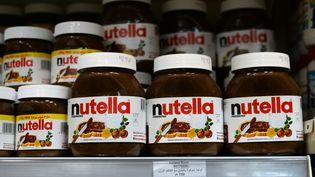 Des pots de Nutella dans un supermarché en Irak, le 17 octobre 2016. (JENS KALAENE / DPA / AFP)