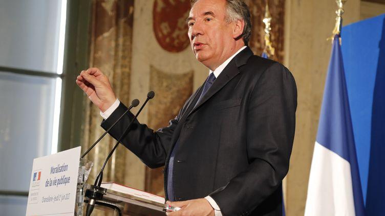 Le ministre de la Justice, François Bayrou, lors de sa conférence de presse sur la moralisation de la vie publique, jeudi 1er juin 2017, à Paris. (FRANCOIS GUILLOT / AFP)