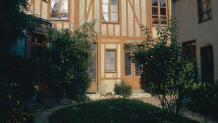 """Le Pré-Catelan et le musée Marcel Proust, installé dans la """"maison de Tante Léonie"""", à Illiers-Combray (Eure-et-Loir). (CATHERINE BIBOLLET / GAMMA-RAPHO)"""