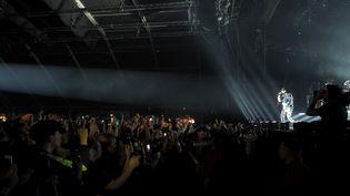 """Le rappeur Orelsan lors de la 42e édition du festival """"Le Printemps de Bourges"""", en 2018. (GUILLAUME SOUVANT / AFP)"""