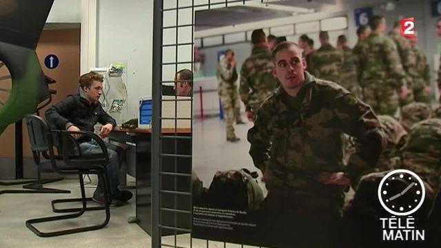 Les candidatures dans l'armée explosent depuis les attentats