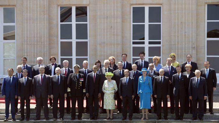 Les dirigeants invités au déjeuner de commémoration du D-Day, auchâteau de Bénouville (Calvados), le 6 juin 2014. (SAUL LOEB / AFP)